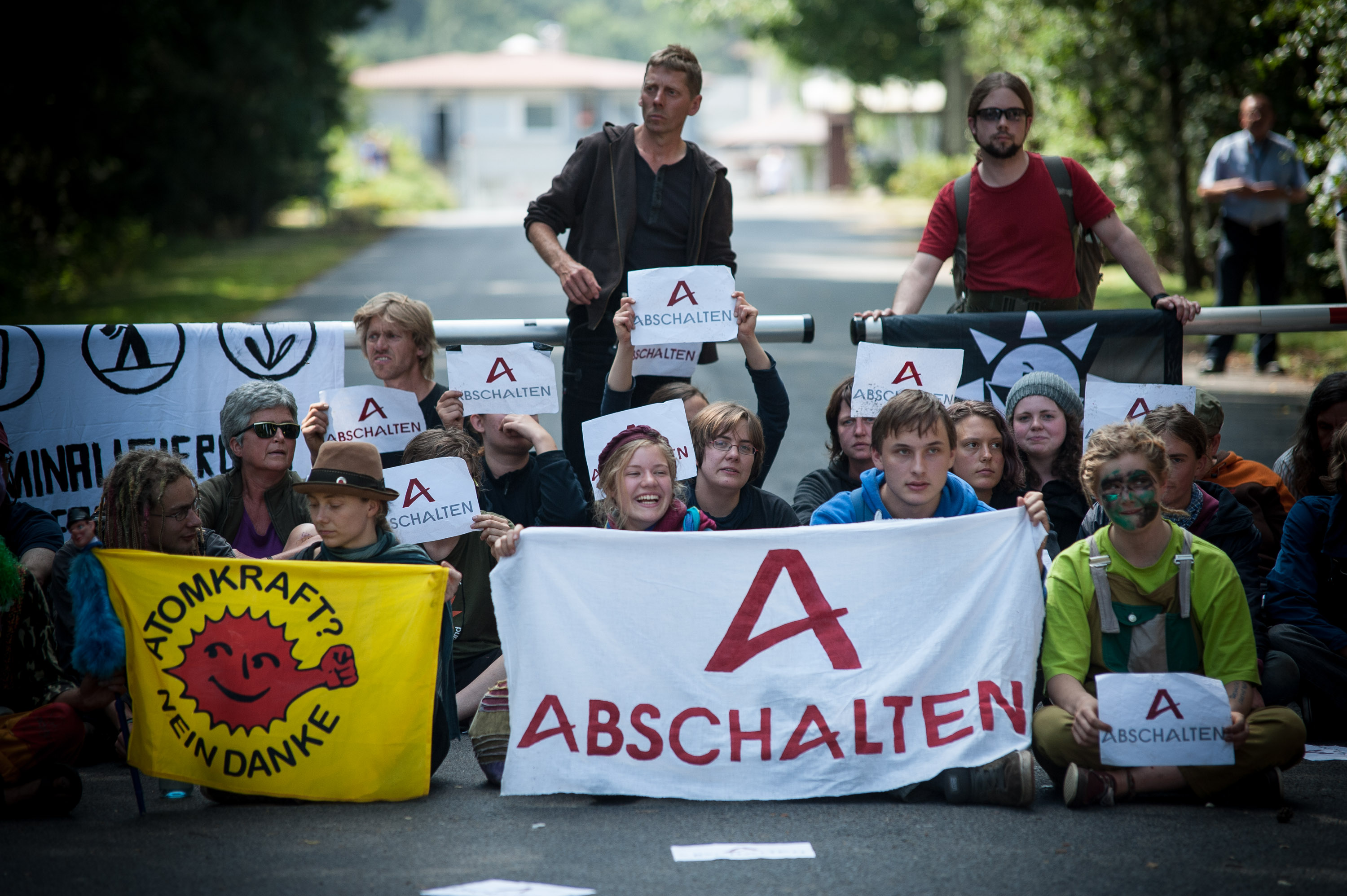 Blockade for der Brennelementefabrik