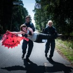 Blockade der Brennelementefabrik in Lingen - Aktivistin wird weggetragen
